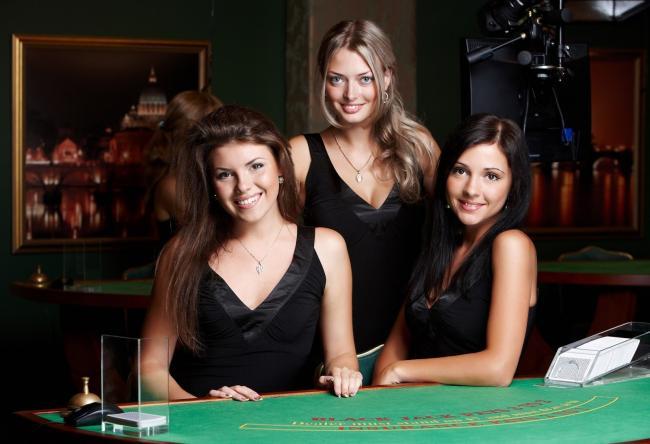 Casino dealer croupières jeux de table